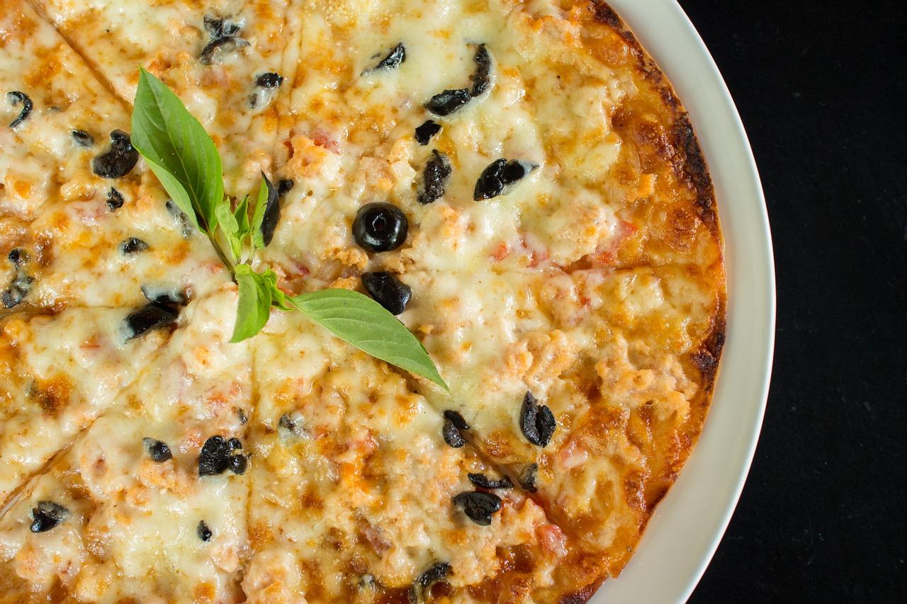 caucasian-cuisine-1373510_1280