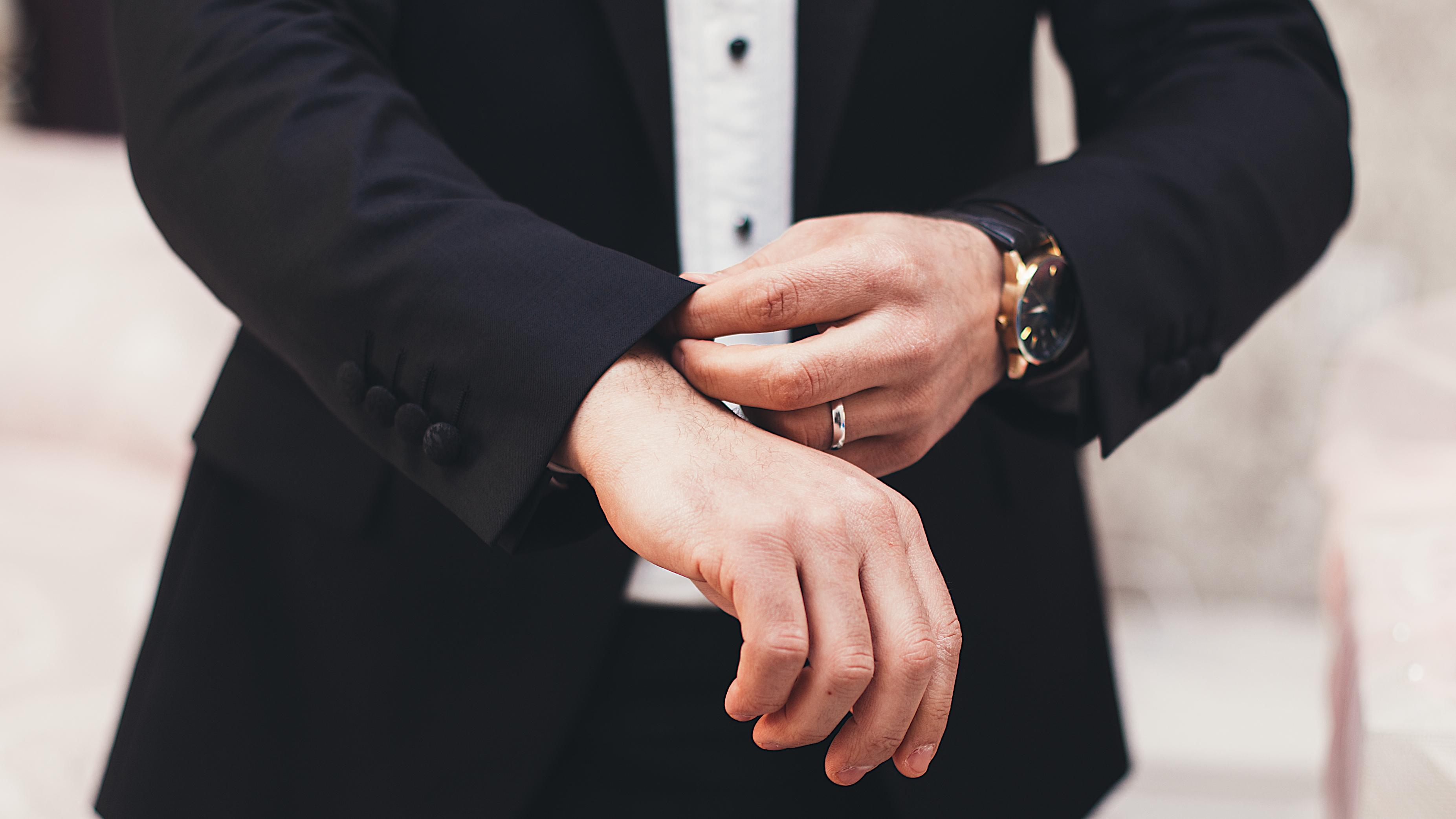 איך מוצאים עסקים למכירה?