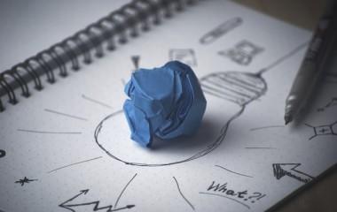 איך משפיעות טכנולוגיות בינה עסקית על חברות גדולות וקטנות?