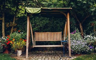 נדנדה זוגית לגינה מוצלחת